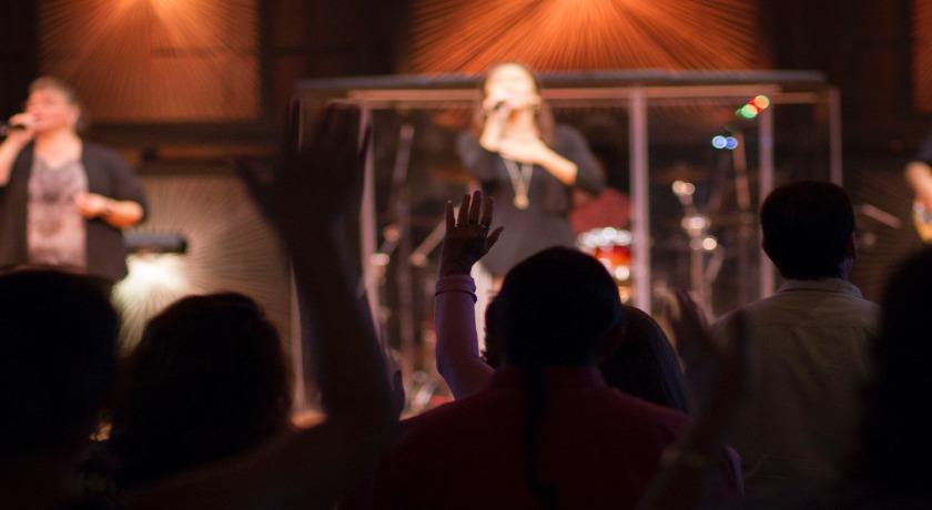 Singing in church credit Erika Giraud Unsplash